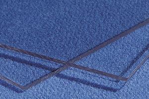 Materiali trasparenti: vetro e materie plastiche