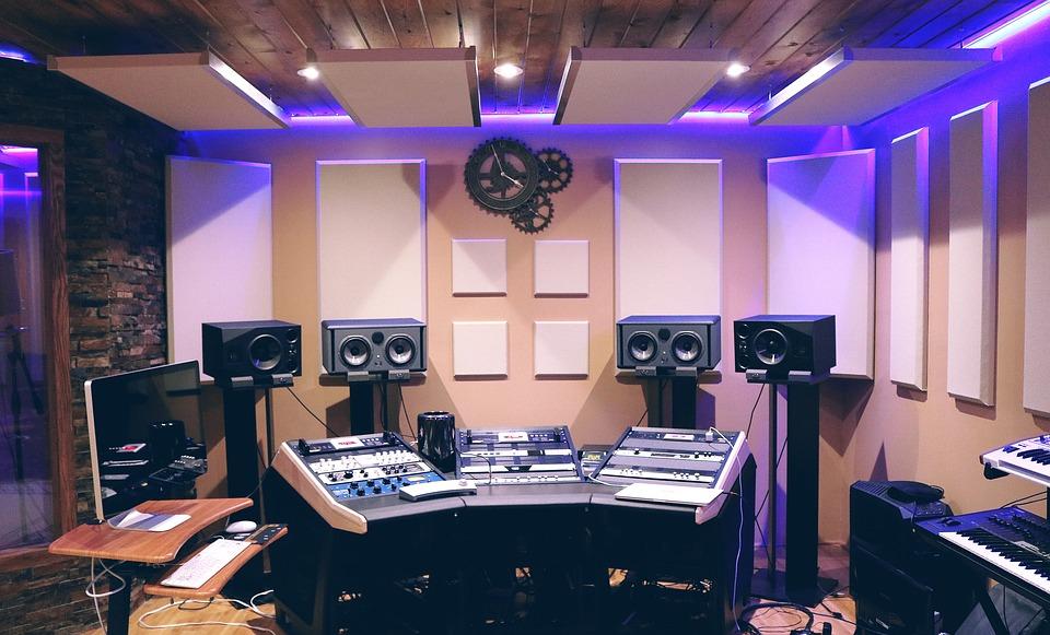 Materiali insonorizzanti in uno studio di registrazione